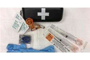Trousse de naloxone (towardtheheart.com)